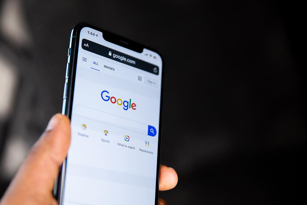 Ohne Mobiloptimierte Webseite wirft Google Webseiten ab März 2021 aus dem Index.