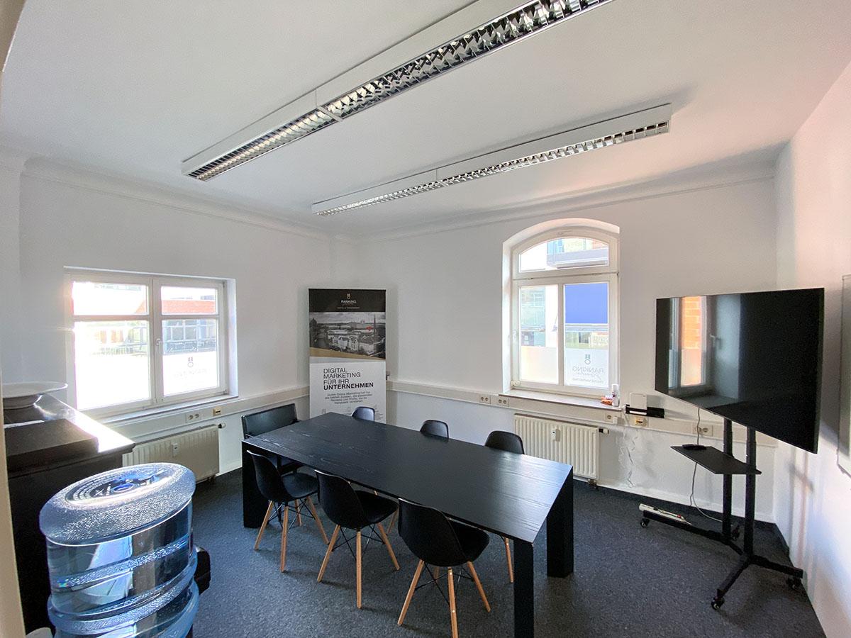 Der Meetingraum der Ranking Köche SEO Agentur Karlsruhe